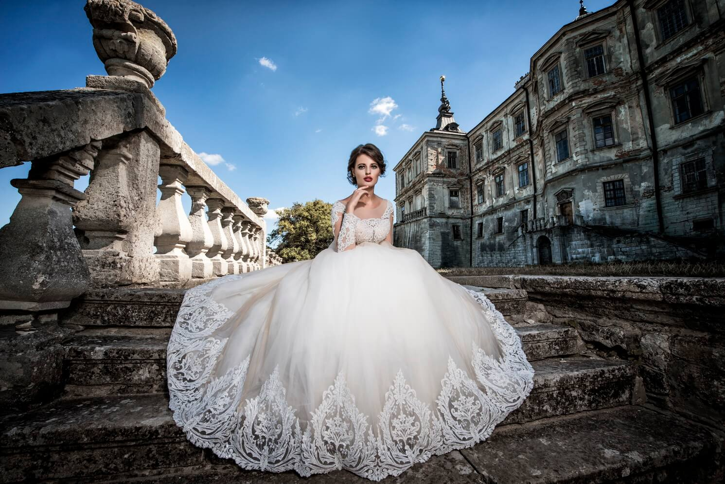 Suppliers of the wedding dresses on wholesale