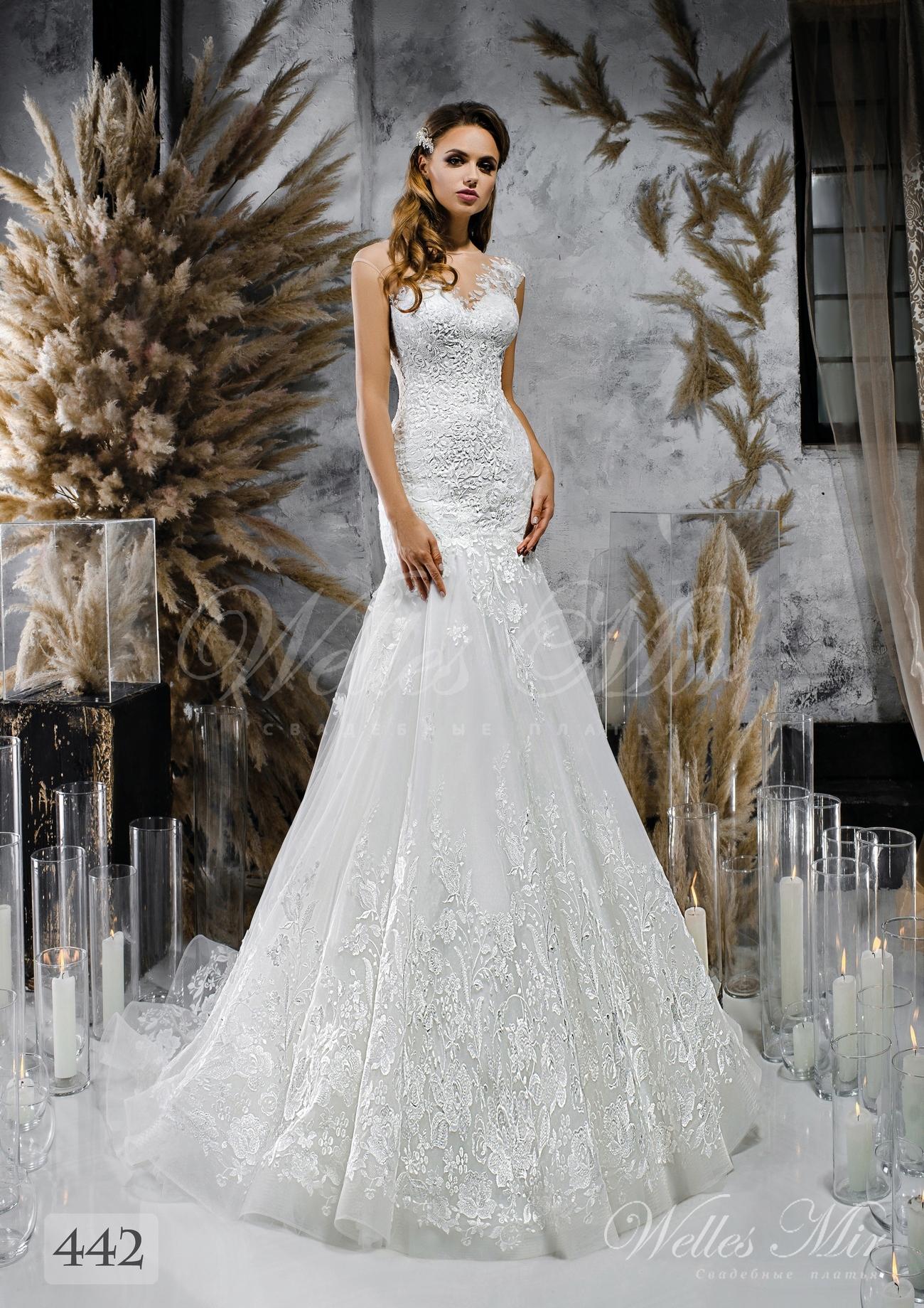 O rochie de mireasă albă cu un singur umăr en-gros