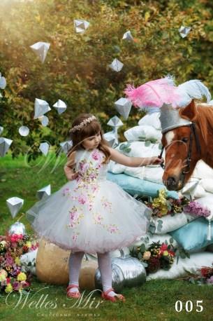 Детские платья Kids Deluxe Collection 2018 005-1
