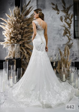 An white one-shouldered wedding dress on wholesale-2