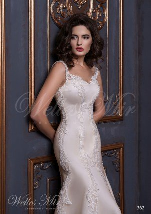 Wedding dress covered with lace-2