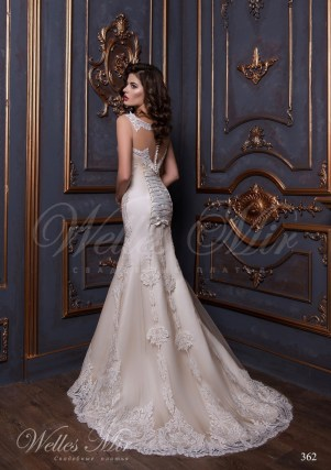 Wedding dress covered with lace-3