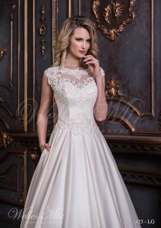 Свадебное платье с аппликациями на корсете-2