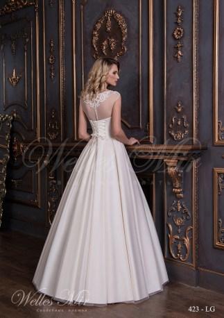 Свадебное платье с аппликациями на корсете-3