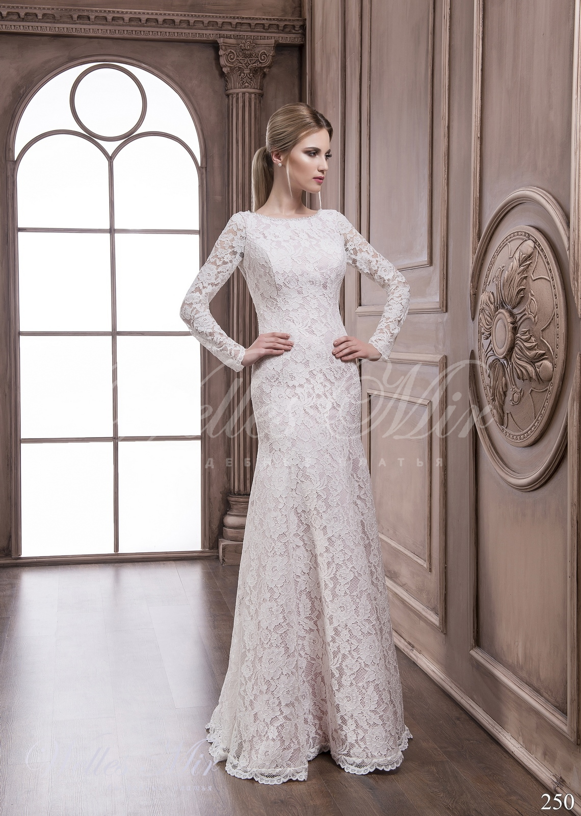 Lace wedding dress 250